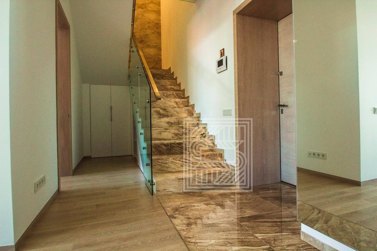 Мраморные лестницы на заказ stair-marble - image 0.02.01.7f9877857a34abf76659186b4a208e2a872eeaea71a5747d7d0a14f70ba2f92e V