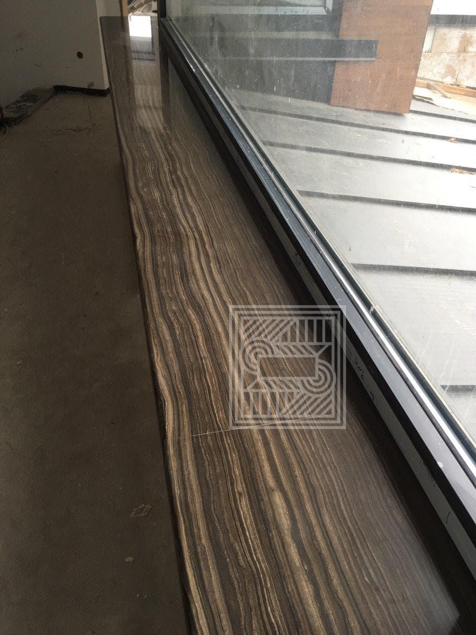 Подоконник из  мрамора Grecale Brown (20 mm) windowsill-marble - image 0.02.01.b42aeb76f95eb8cc9b8e2dd8ba5a286c9d3c74b2fa343c91388ba8c0e7bb3a07 V