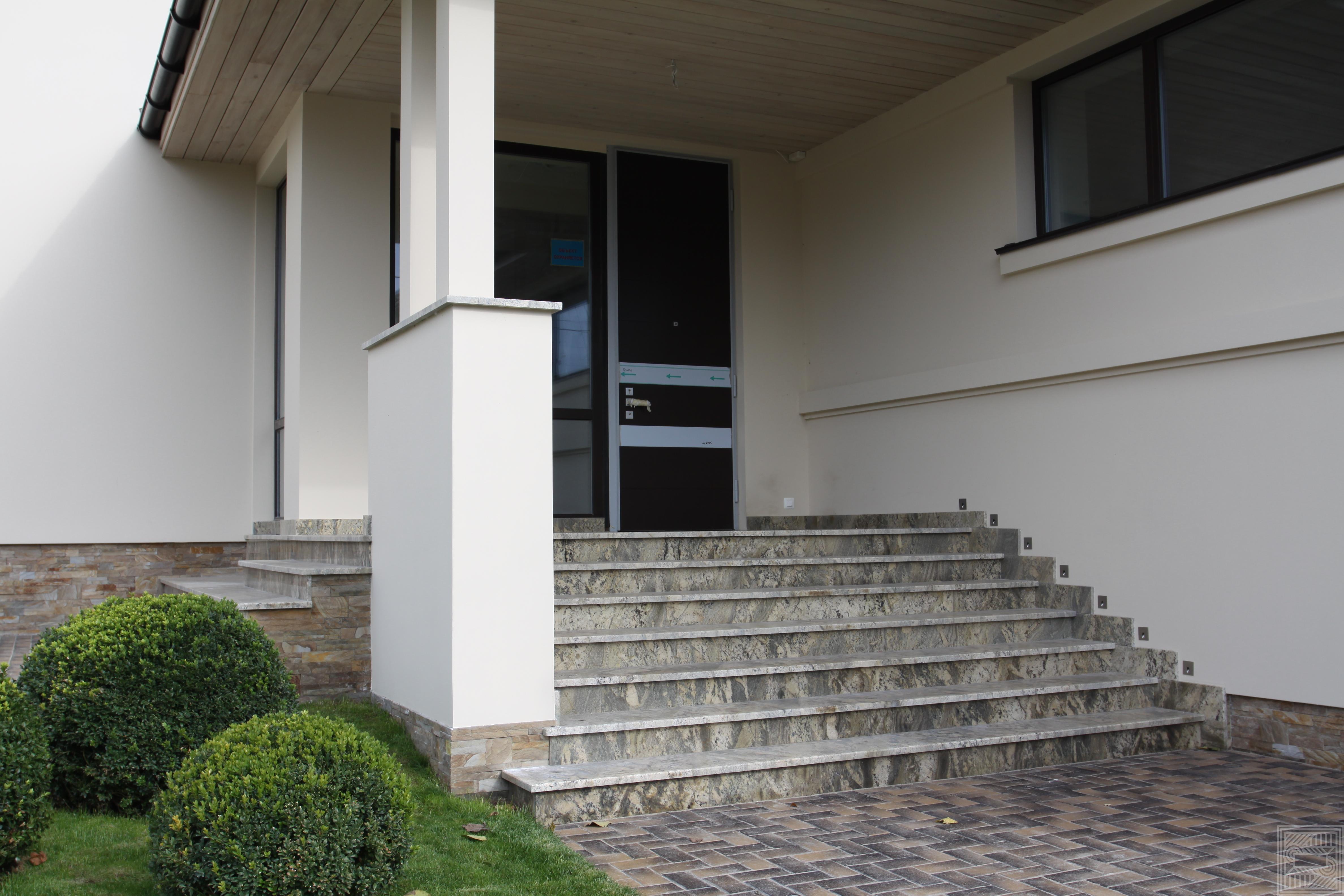 Лестница из гранита  Nettuno Bordeaux stair-granite - IMG 3231