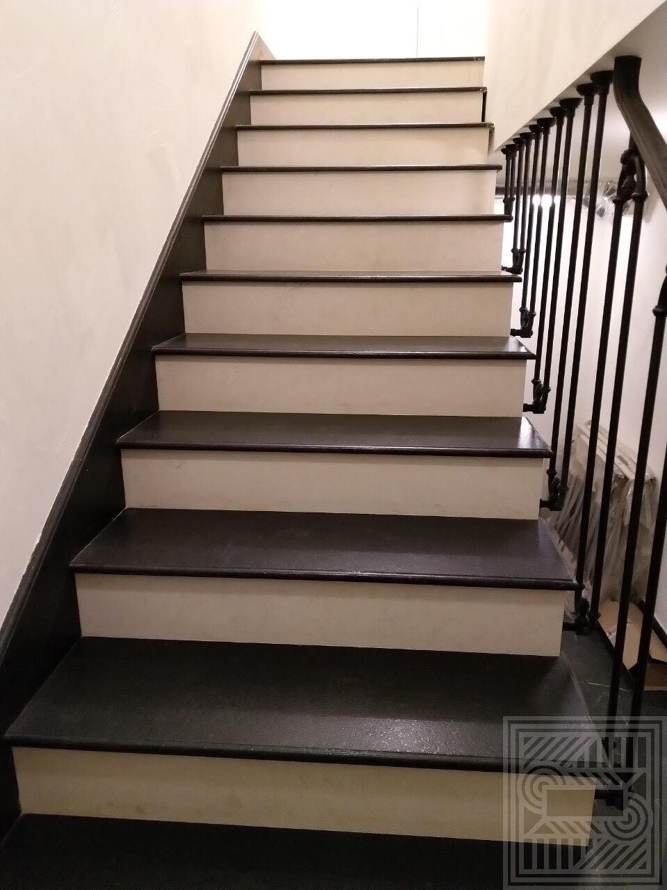 Лестница из гранита Cambrian Black 20 мм stair-granite - unnamed5MBHHEE2