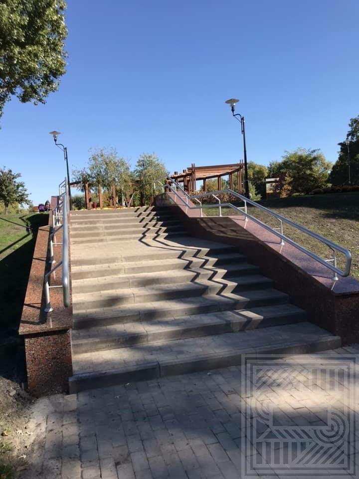 Лестница из украинского гранита stair-granite - unnamedV2V32DM2