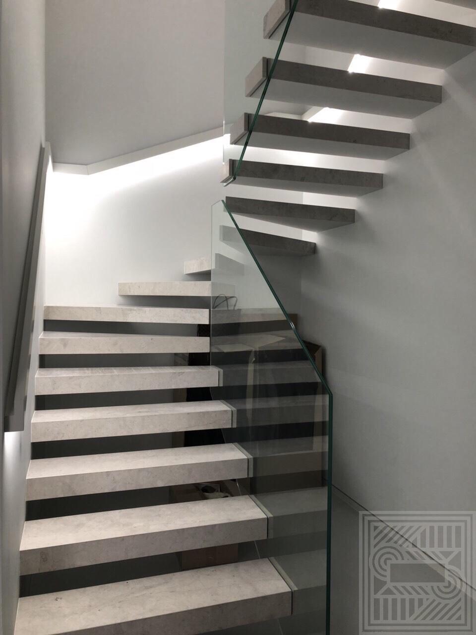 Лестница из Thala Grey (leather) 20 mm stair-marble - IMG 7407