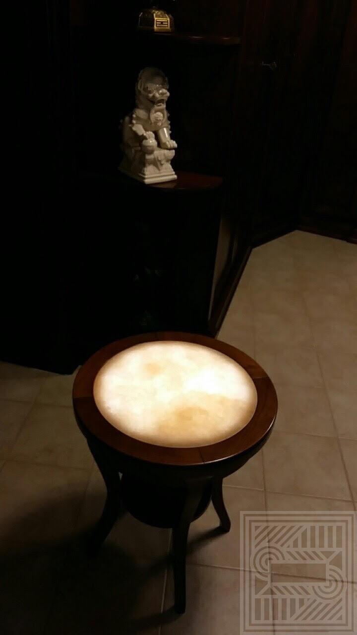 Столик с столешницей из Onice Miele с подсветкой desk, furniture - stolik medovyj s podsvetkoj