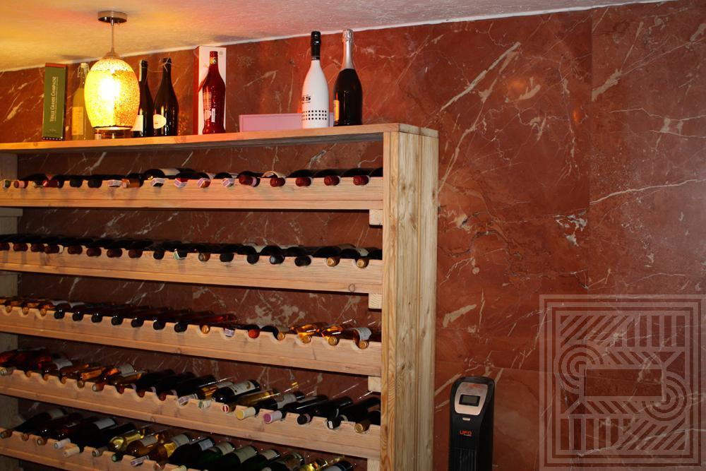 Облицовка стен винного погреба мрамором Rosso Alicante 20 мм walls - Oblitsovka sten vinnogo pogreba mramorom Rosso Alicante 20 mm