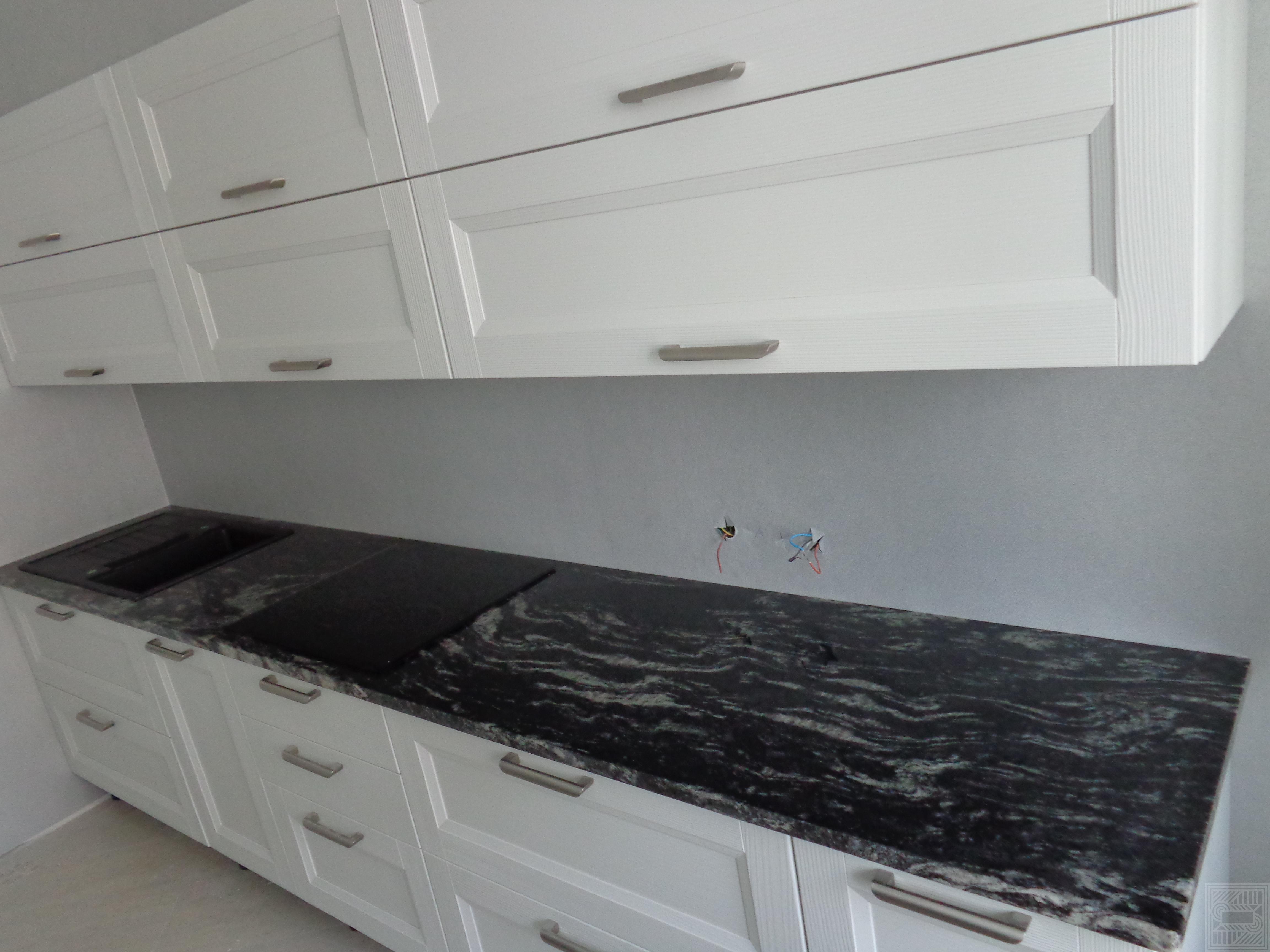 Столешница из гранита Black Cosmic 30 мм worktop-granite - Stoleshnitsa iz granita Black Cosmic 30 mm