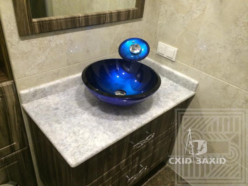 Столешница с плинтусом из мрамора Calcite Blue 20 мм worktop-marble - kaltsit blu