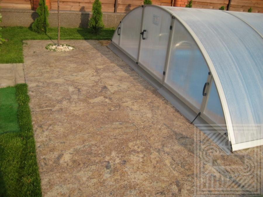 Облицовка около бассейна гранитными плитами Giallo floor-granite - LARGE 55