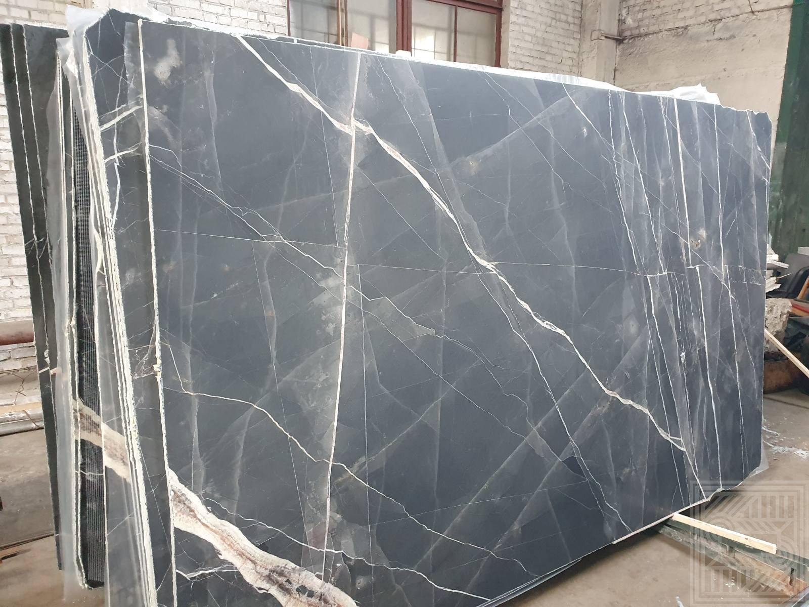 Calacatta Black (20 mm) colored-marble - Mramor Calacatta Black 1